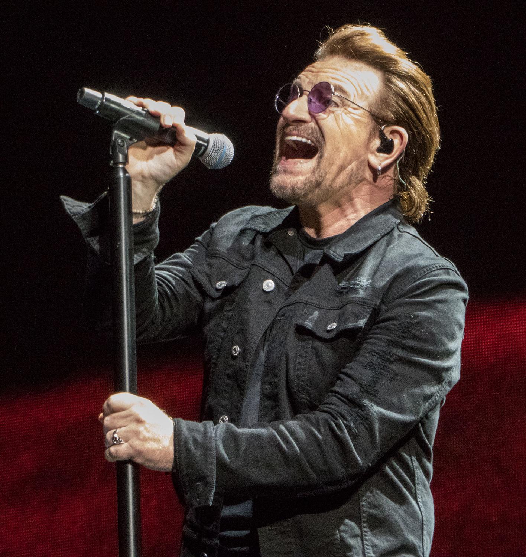 """Bono dos U2: """"É tempo de agir, mais do que falar"""""""